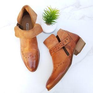 NEW Paul Green Denice Ankle Booties Tan Western
